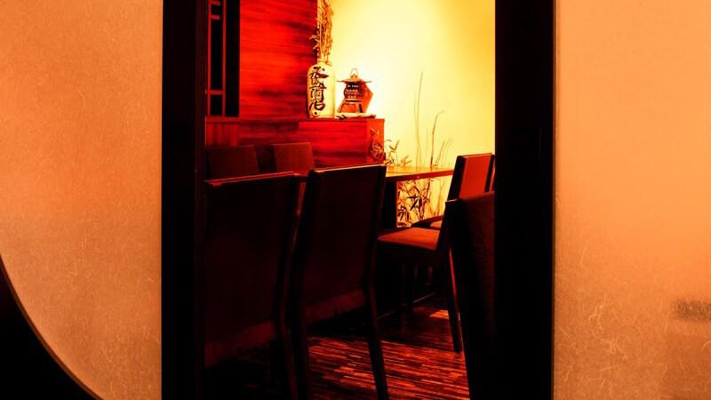 間接照明が心地良い和の空間【5~6名様用 個室】