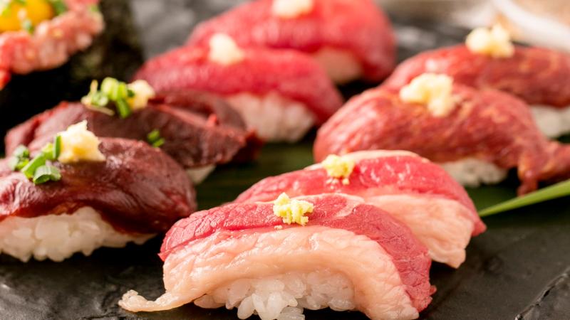「桜肉の握り寿司 5種5貫」通常1,280→909円