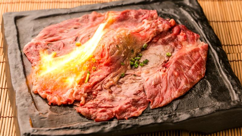 「桜肉の握り寿司 サシトロ」通常880→625円
