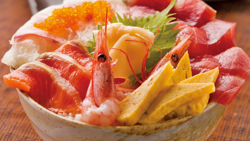 豪快!新鮮!『はみでる海鮮丼』