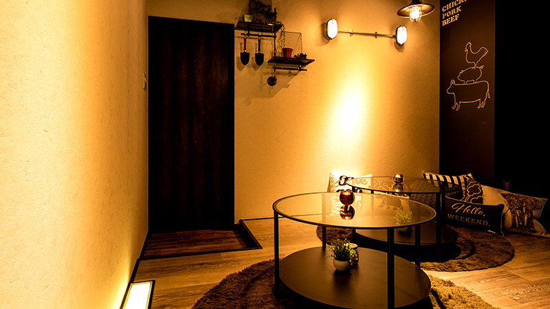 飾り棚に隠された個室空間